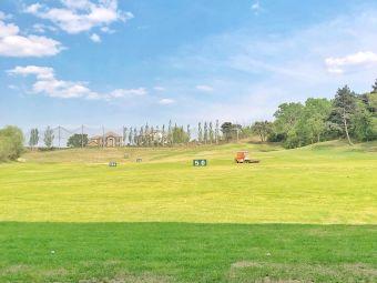 高尔夫学院室外练习场