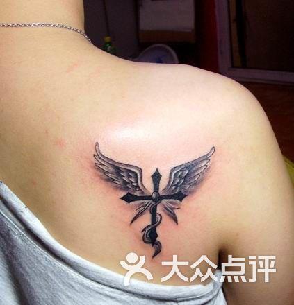 上海火凤凰纹身工作室天使翅膀图片-北京纹身-大众