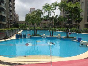 清华城游泳场