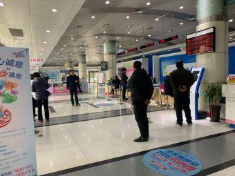 中国移动凤化街营业厅停车场