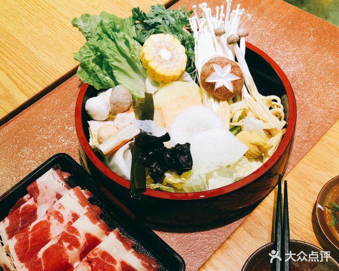 一直很喜欢吃寿喜锅~喜欢比例和生做法的组.肥牛鸡蛋的凉粉和荞麦图片