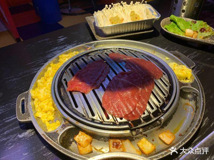 猪猪广场班烤肉美食是a广场假日餐厅F座3楼的内主题厦门岛图片