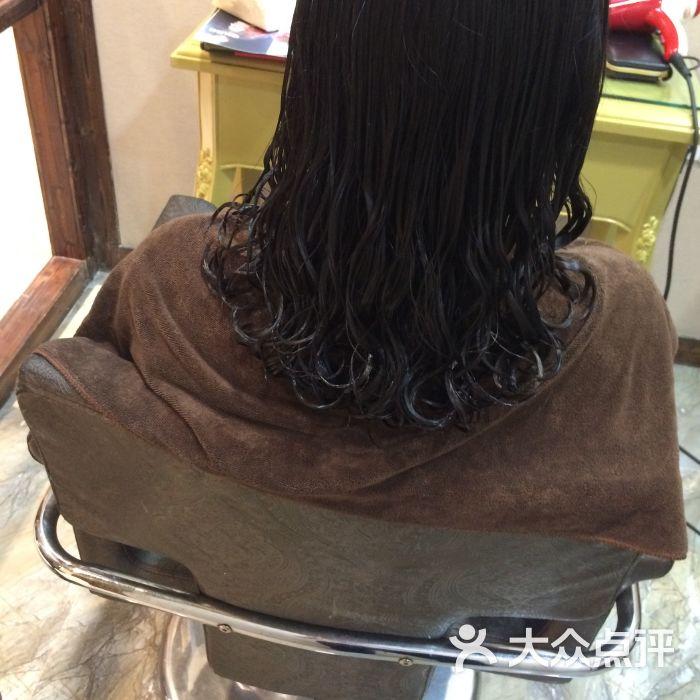 华仔发型图片