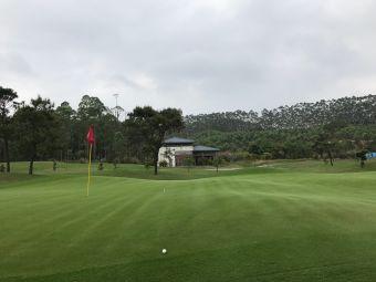 鹤山高尔夫俱乐部