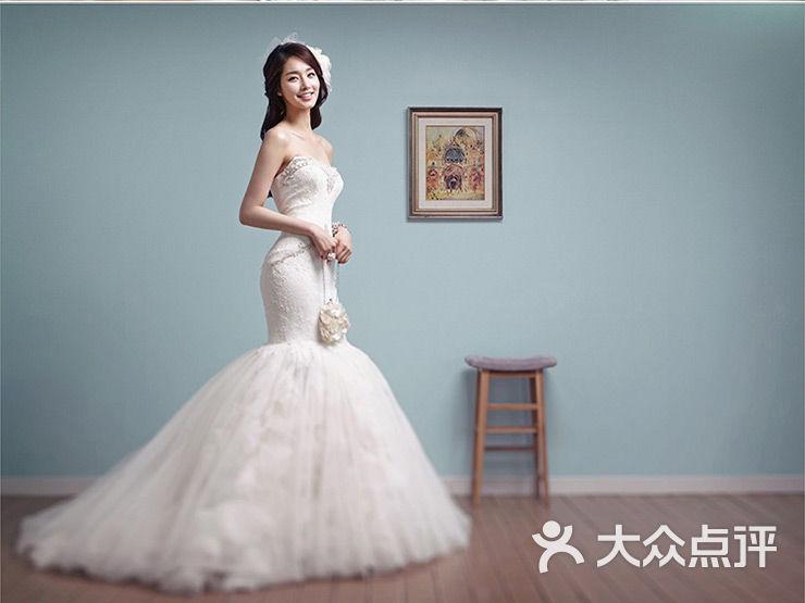 米兰婚纱手绘设计图 拖尾