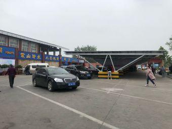 临沂服务区-停车场