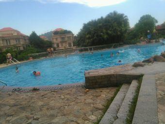 灯都华庭游泳池