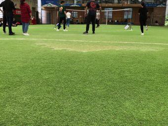 屋顶足球场
