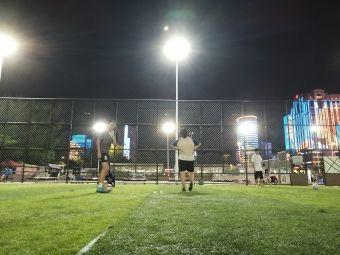 社区体育公园足球场