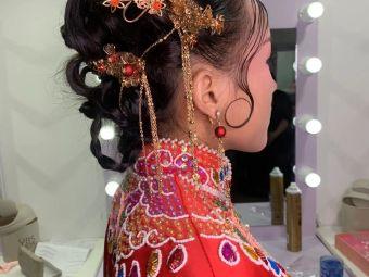 倾颜形象设计·新娘跟妆化妆美甲培训