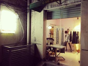 伊衣制衣服装设计工作室