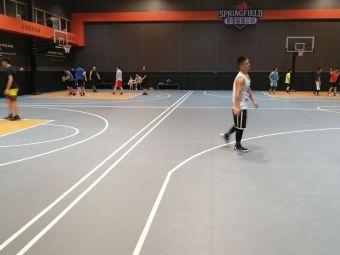 春田篮球公园