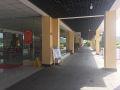 新寨服务区停车场
