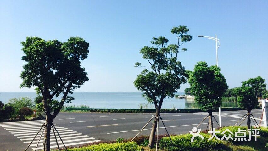 苏州虚舍酒店窗外看出去的太湖风景图片 - 第1张