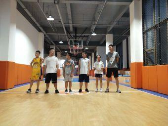 吾同体育青少年篮球训练营