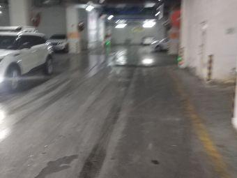 世纪唐人中心-停车场