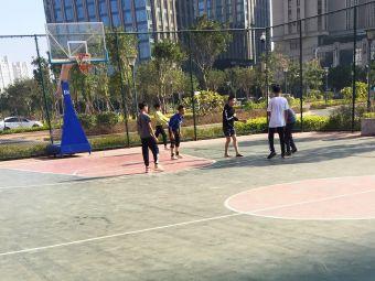 泉商篮球场
