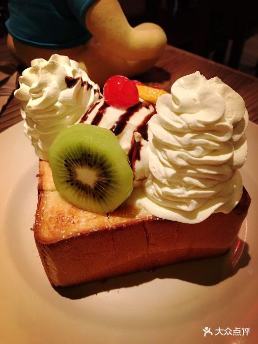 水果冰淇淋面包图片