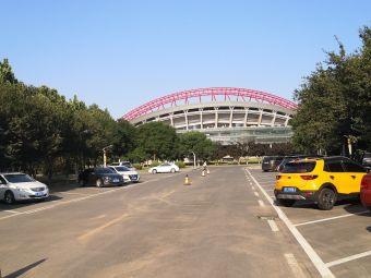 市体育中心综合体育馆C区-停车场