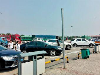 乐亭服务区-停车场