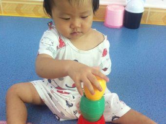 时代宠儿0-3岁双语托育中心