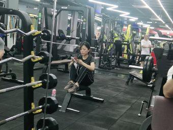 莱力国际健身俱乐部