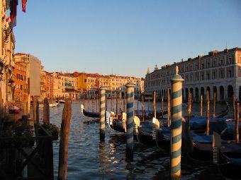 威尼斯運河行人道