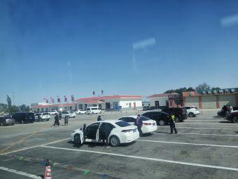 玉门市服务区-停车场