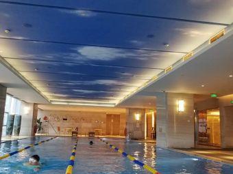 万达希尔顿逸林酒店-游泳池