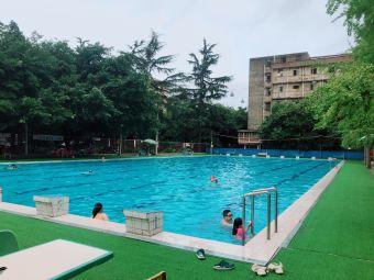 温江涤纶厂游泳池