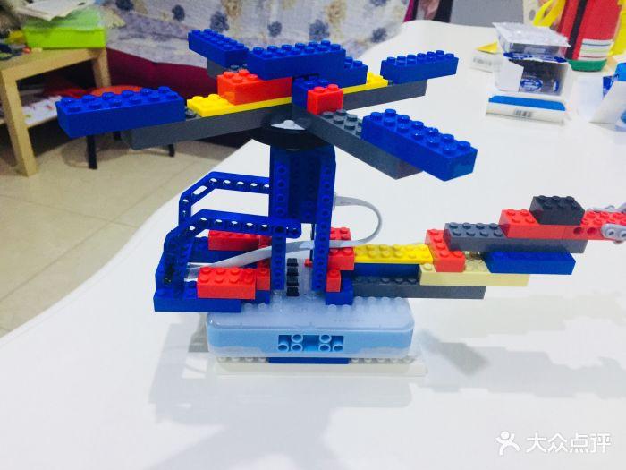 瓦力工厂机器人编程培训中心(梨园校区)图片 - 第6张