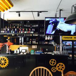 意大利电影肉屋视频_酒肉屋