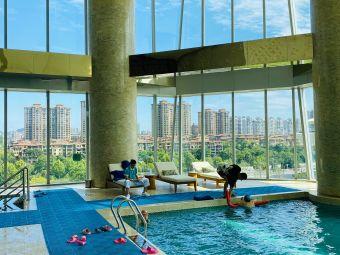 长沙梅溪湖金茂豪华精选酒店游泳池