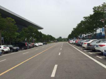 徐州市奥体中心停车场