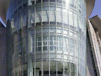 郑州市住房保障和房地产管理局办事大厅停车场