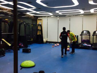 英豪国际健身中心