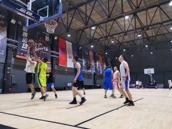 三秒区篮球公园