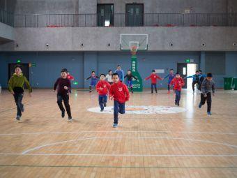 小飞侠篮球训练营