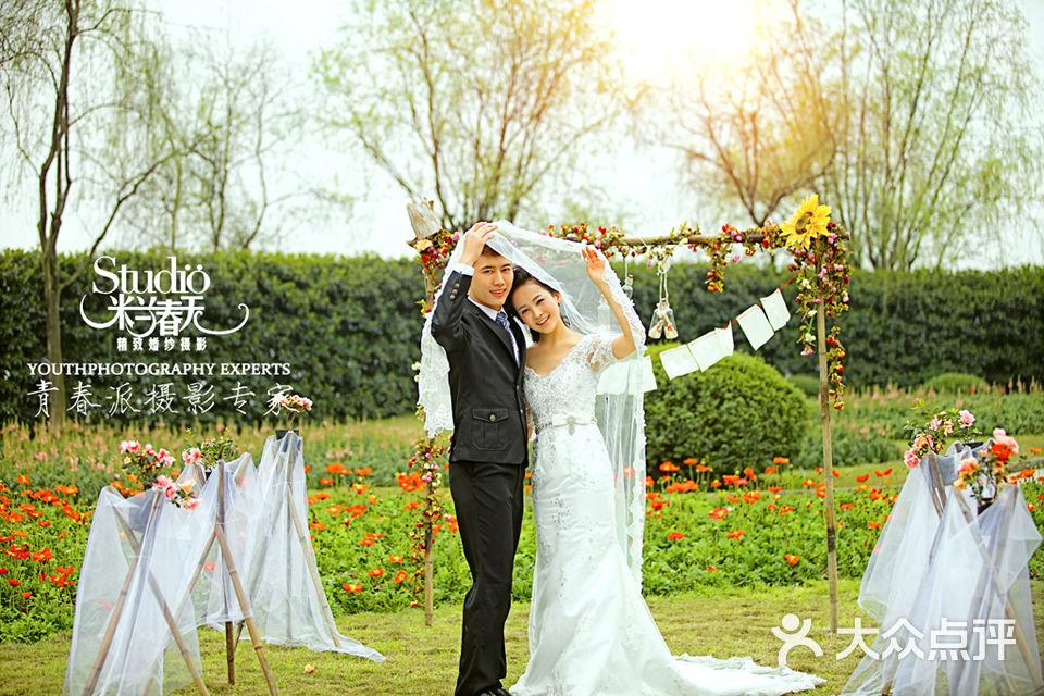 重庆外景婚纱照龙水湖拍花的婚纱照_重庆米兰春天摄影