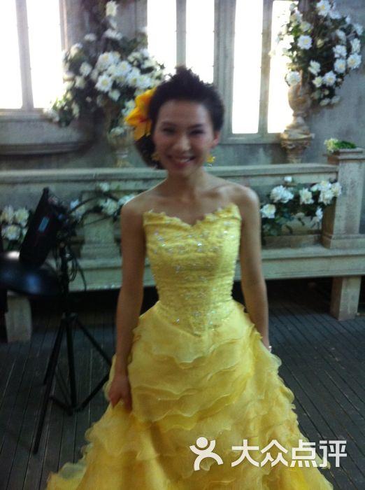 盐城圣蒂娅婚纱摄影_圣蒂娅婚纱摄影