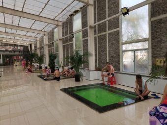 清华池温泉游泳馆