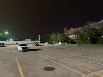 横琴长隆国际海洋度假区停车场