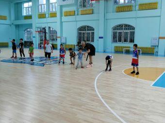 毅翔篮球馆