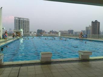 师范学院游泳池