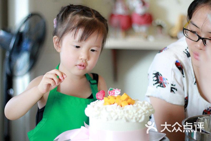 光阴盒子私家蛋糕定制姐弟俩diy作品图片-青岛面包