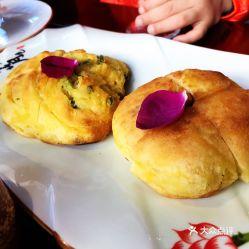 古城逅院花园餐厅的鲜花饼好不好吃 用户评价口味怎么样 大理市美食鲜花饼实拍图片 大众点评