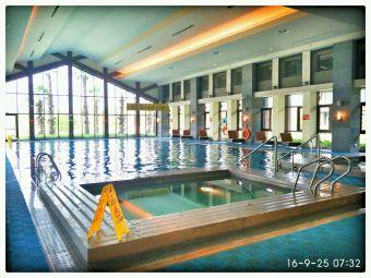 希尔顿游泳池(嘉兴希尔顿逸林酒店)