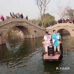 古镇位于江苏省无锡市锡山区东南鹅湖镇境内,无锡,苏州 常熟交界处