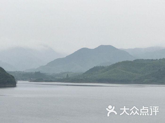 广德县卢村乡枫香乐农庄-笋干烧肉,老母鸡汤,野菜味道