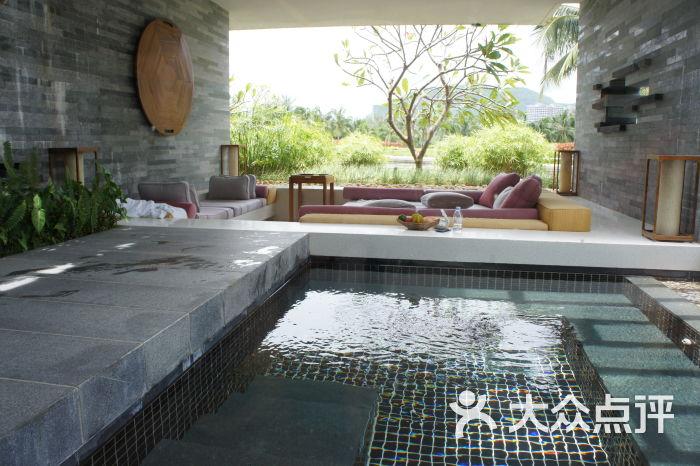 三亚半山半岛洲际度假酒店房间内的景观露台图片 - 第2张